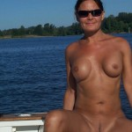 Mom completely naked